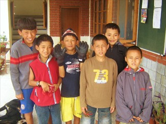Tibetan kids at Tibetan Childrens Village